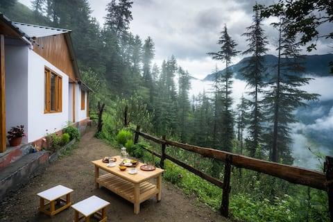 Jannat Cottages | Woodwork Cottage | Jibhi