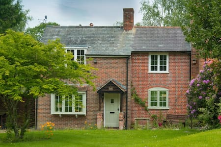 Luxury cottage in the heart of The New Forest - Lyndhurst - Dom