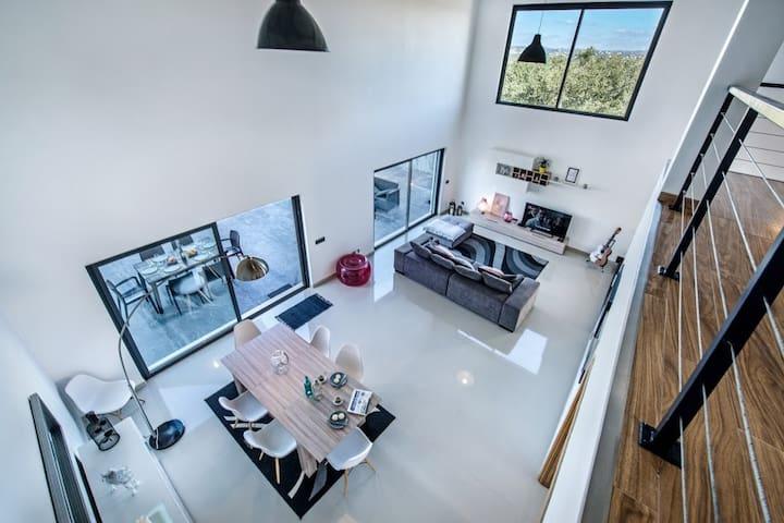 Mezzanine view of the common space