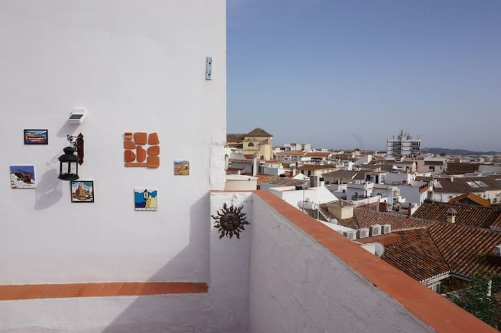 Historic townhouse with terrace & barbecue - Vélez-Málaga - Adosado
