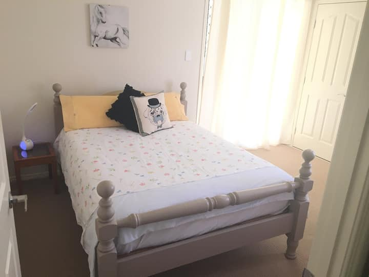 Private Queen Room Clean & Comfy
