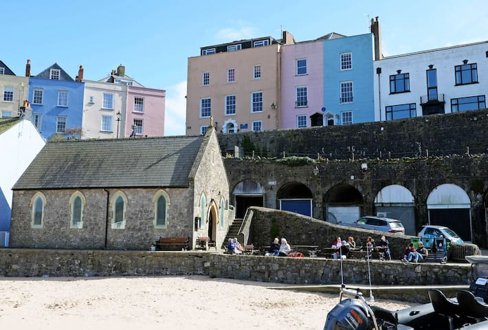 Apartment in Tenby harbour with amazing sea views