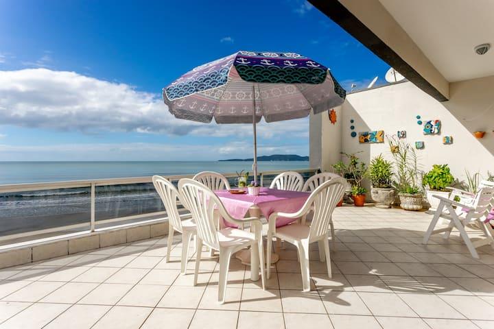 Oceanfront Apartament, aweome view!