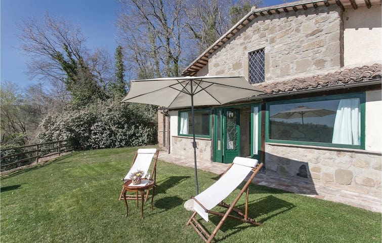Holiday cottage with 1 bedroom on 60m² in Castiglione in T. VT