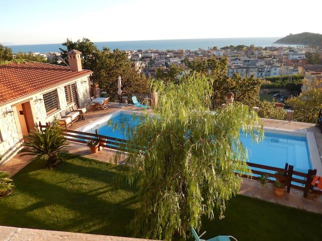 Villa Mabe - swimming pool