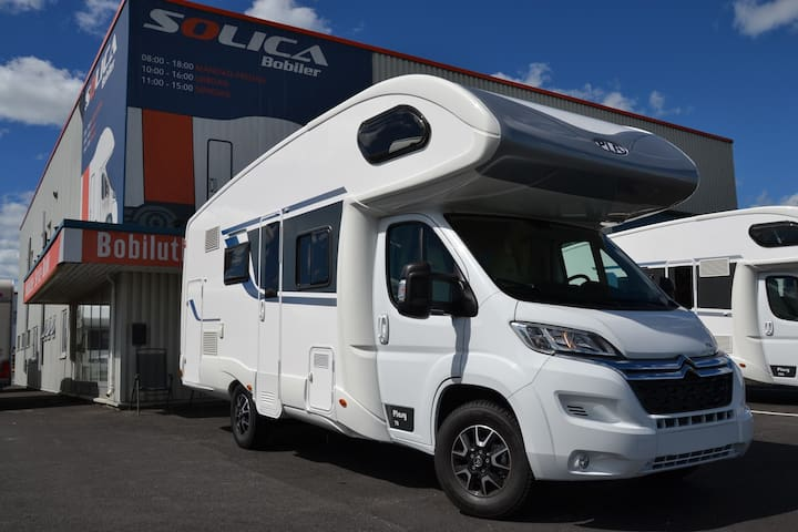 Modern motorhome / RV for up to 6 persons