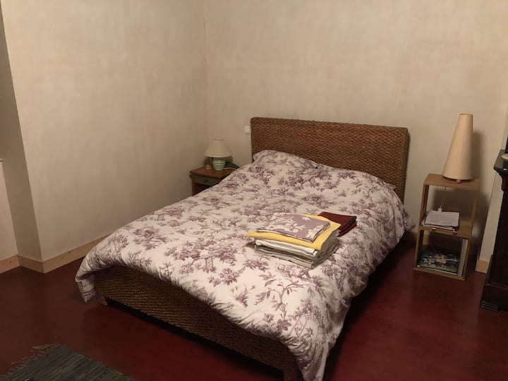Chambre dans maison bourgeoise
