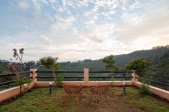 ⭐2BHK Villa in Ooty | Lawn, Kitchen, BBQ, Bonfire