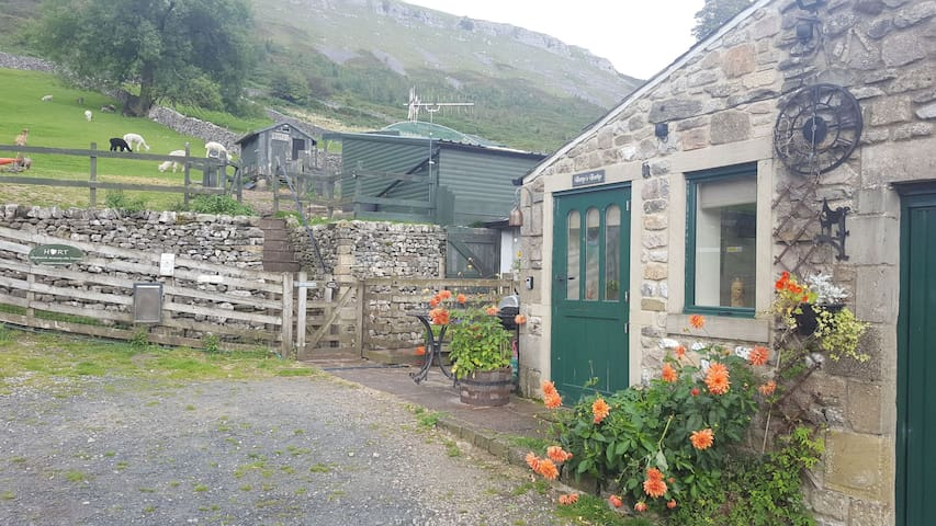Betty's Bothy