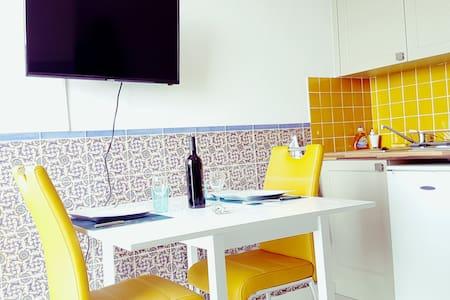 STUDIO VUE MER BANYULS + WIFI - Banyuls-sur-Mer - Apartment