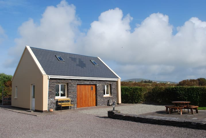 Carraig Liath Cottage - County Kerry - Cabin