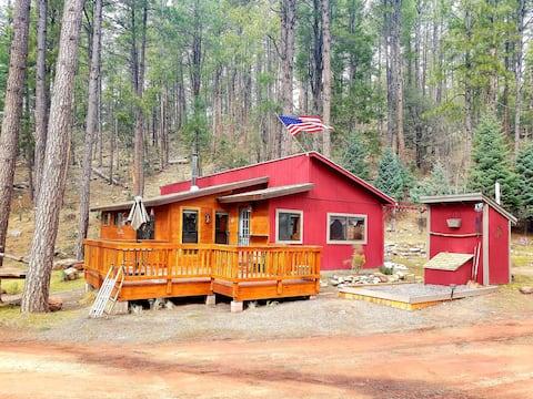 Creekside Cottage Retreat