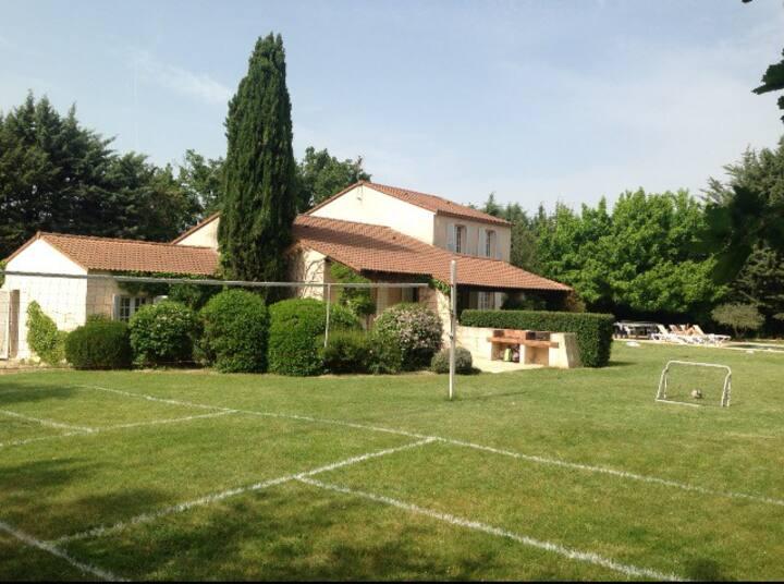 Aix en Provence : maison avec piscine