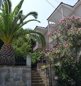 κατοικία στην Άντισσα/ house in Andissa - Antissa - Квартира