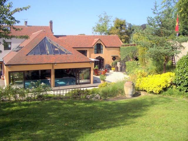 Grande Maison familliale atypique - Cormeilles-en-Parisis - Villa