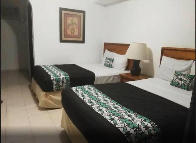 HABITACIÓN DE HOTEL EN EL CENTRO DE LA DIVERSIÓN