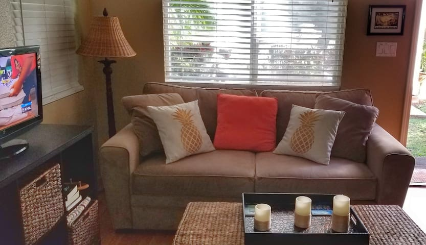 Westside Bungalow: Great monthly rate!