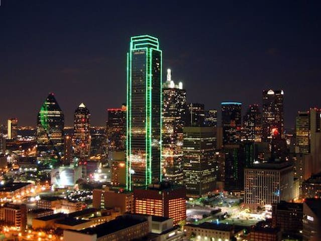 ⭐Luxury Penthouse with Stunning View in Dallas⭐