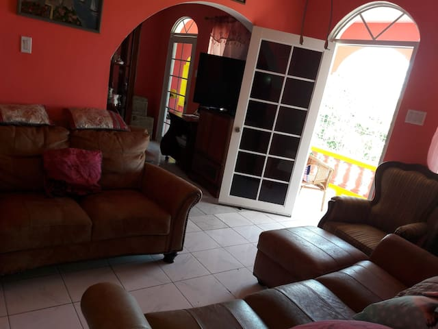 Montego Bay - Danny's Place - a home from home