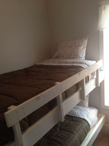 2 singles bunk bed
