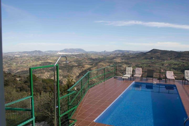 Casa rural con impresionante vistas - El Gastor - Vila