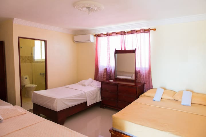 One Bedroom Apartment For 4-Smart TV-Premium Wi-Fi