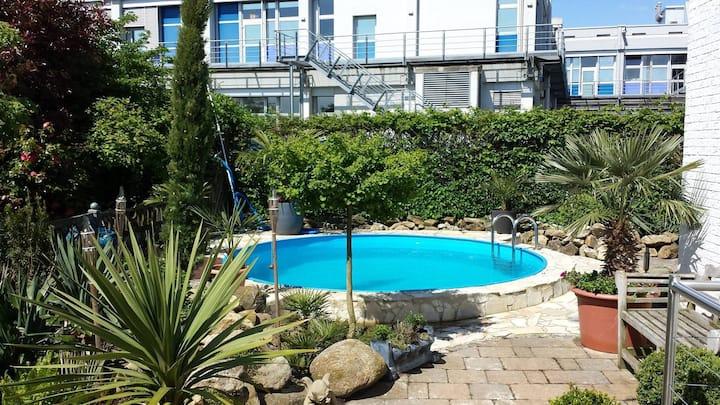 100 qm Wohnung/Bungalow m.medit. Garten und Pool