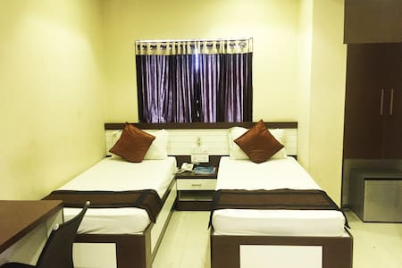 Well furnished room with WiFi on Hazra road. - Kalkuta