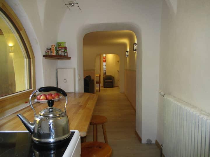 Chaleureux Appartement T 3 dans la Vielle Ville