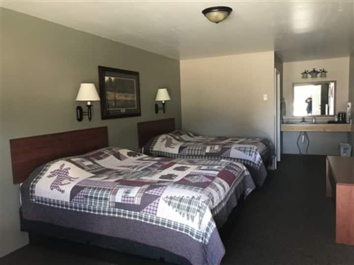 Antler's Lodge Room 17