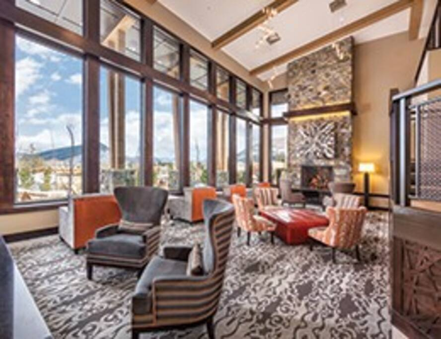 The Lobby welcomes great sitting and views of the mountains. Cozy fireplace to warm you after a day of skying or being downtown to watch the Sundance Film Festival.