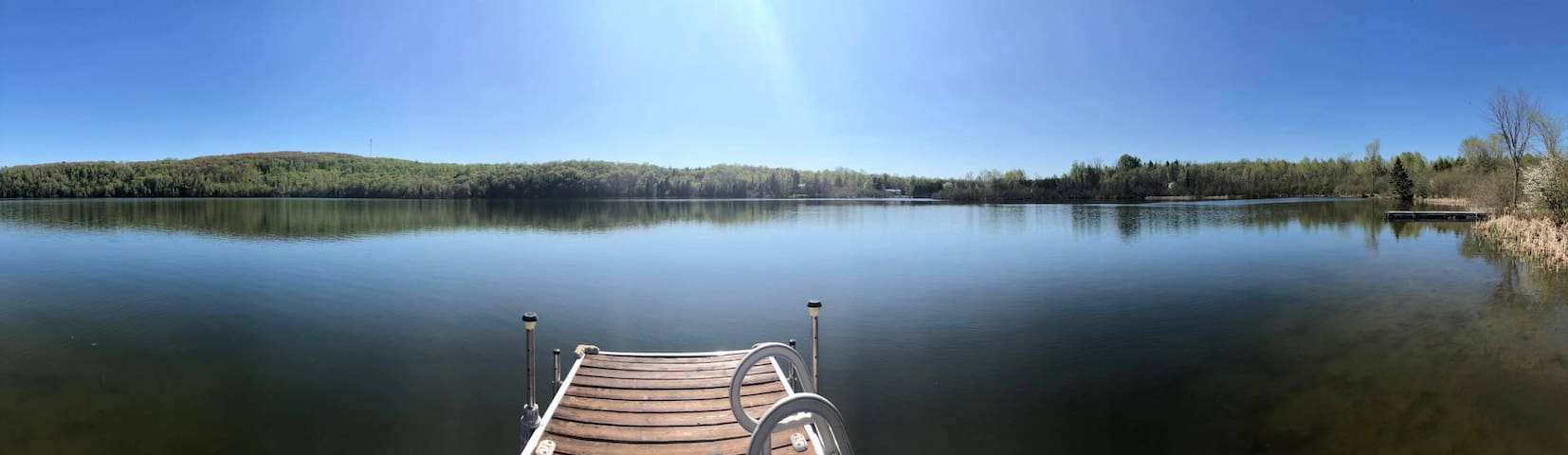 "3 bdrm, pvt lake - ""Vermont"" at Lac-Laverdure"