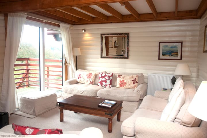 2 Barend Holiday Lodges, with free swimming, sauna and golf.