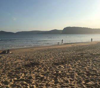 PENRHYN by THE BEACH - Free Wifi/NBN - Umina Beach - Dom