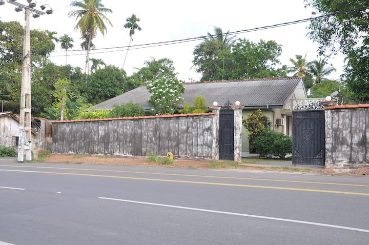 Terraced house near Hikkaduwa Beach