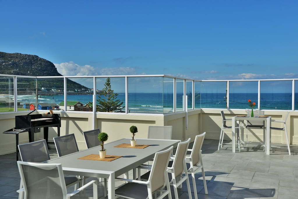 Penthouse on fish hoek beach appartements louer le for The fish 95 9