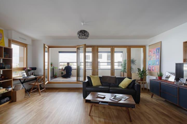 5 min de Paris, Appartement 100 m2 sur l'eau