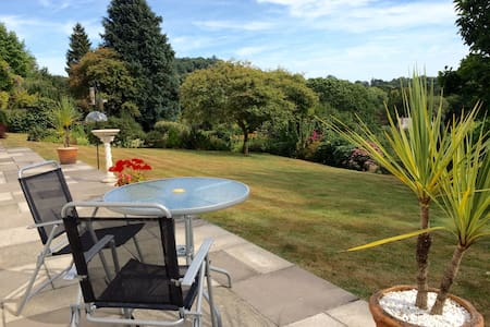 Peaceful location, stunning views - Lustleigh