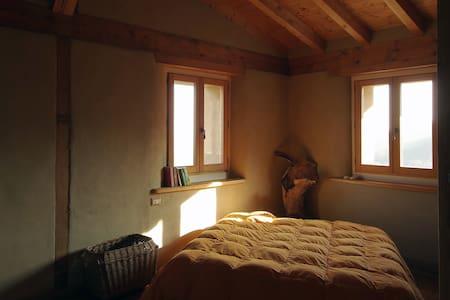 Casa di paglia - Canossa - Huis