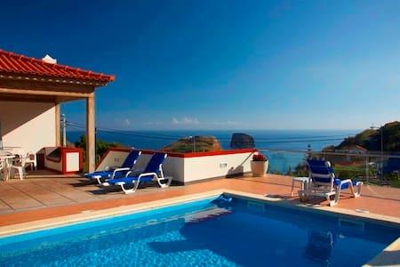 Villa Ricardo - A Charming Villa - Madeira - Hus
