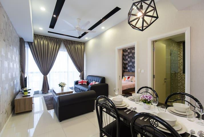 *Icon City*Sunway Pyramid/Petaling Jaya/FREE WIFI
