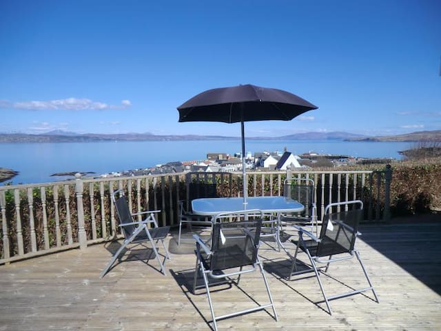 Self Catering Bungalow offering panoramic views