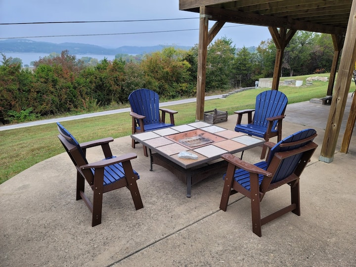 What-a-VIEW Table Rock Lake-Sunset 🌄 FirePIT🔥 Game Room🎮