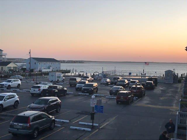 Updated OC Bay view Condo-37th Street-Pool/Marina