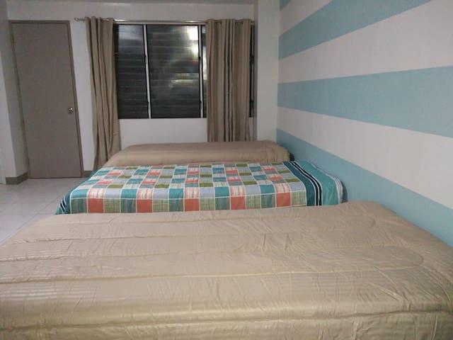 3 beds Apartelle Room, 3rd Floor Garnet Place Bldg - Ciutat de Mandaue - Pis