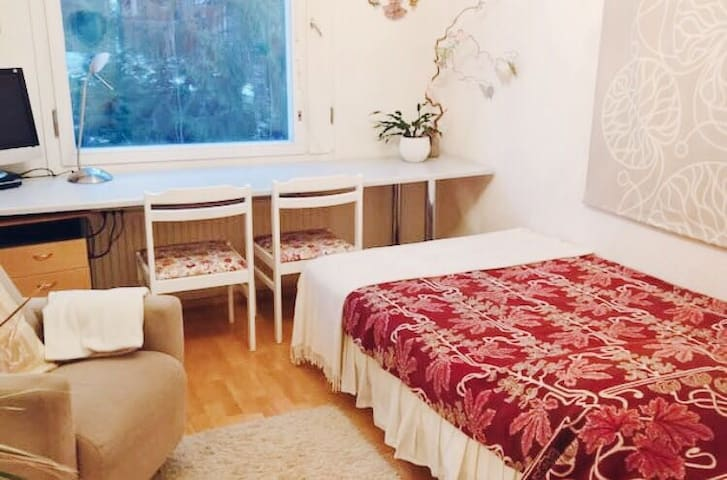 Nice and cosy room near city center - Tampere - Apartamento