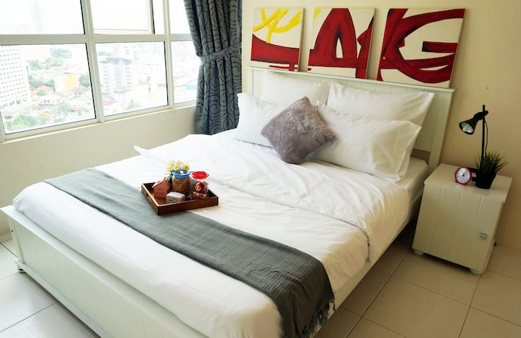 Seaview & Cosy Georgetown Home - George Town - Apartmen