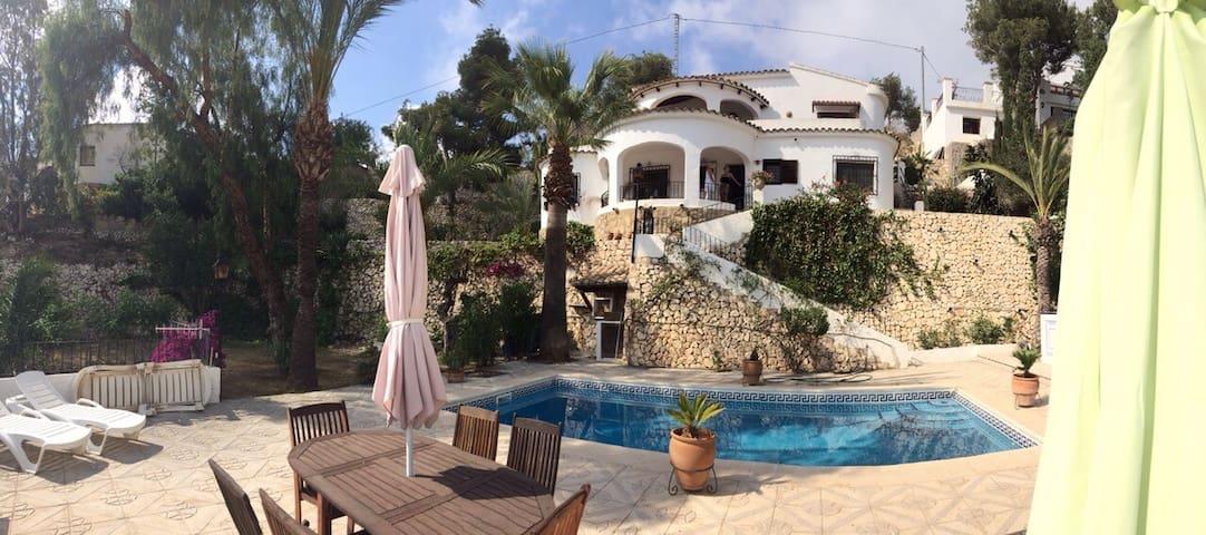 Seaside villa close to beach&centre