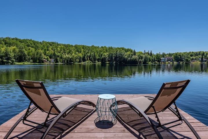 Beautiful Lakefront Chalet 35 mins Ottawa/Gatineau