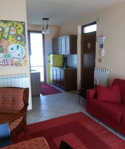 appartamento luminoso, con terrazzo - Montegrino Valtravaglia